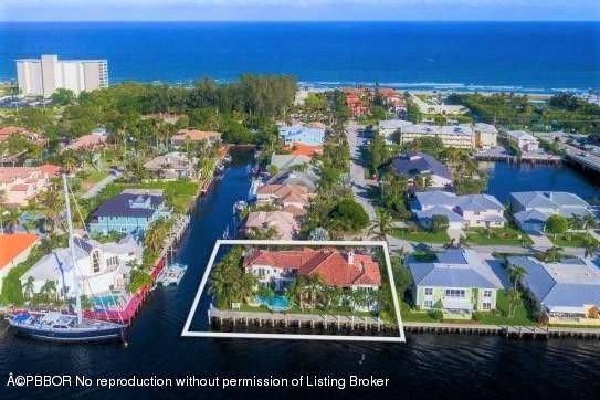 1690 Del Haven Drive  Delray Beach, FL 33483