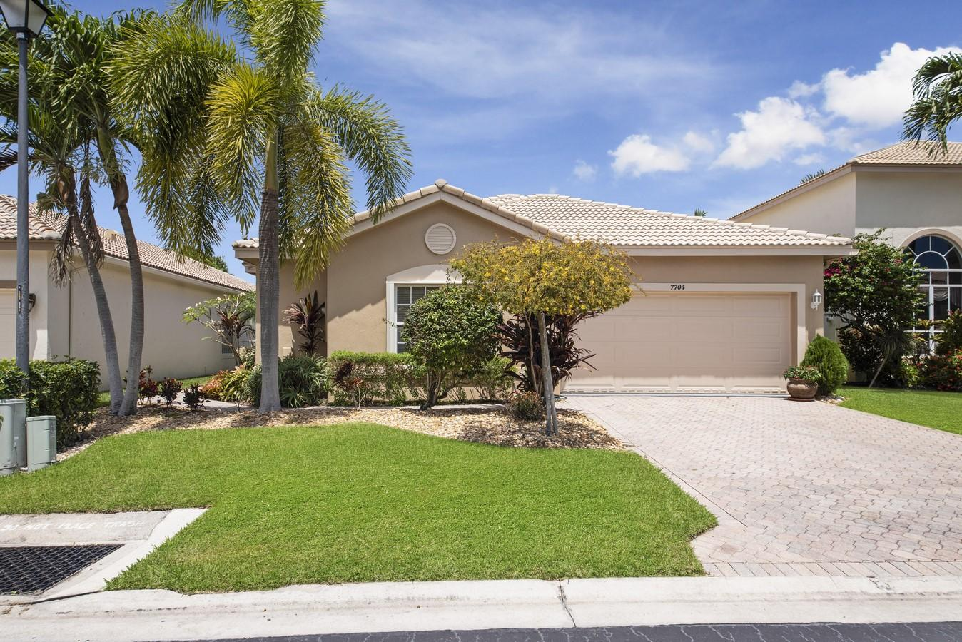 7704  Colony Lake Drive, Boynton Beach in Palm Beach County, FL 33436 Home for Sale