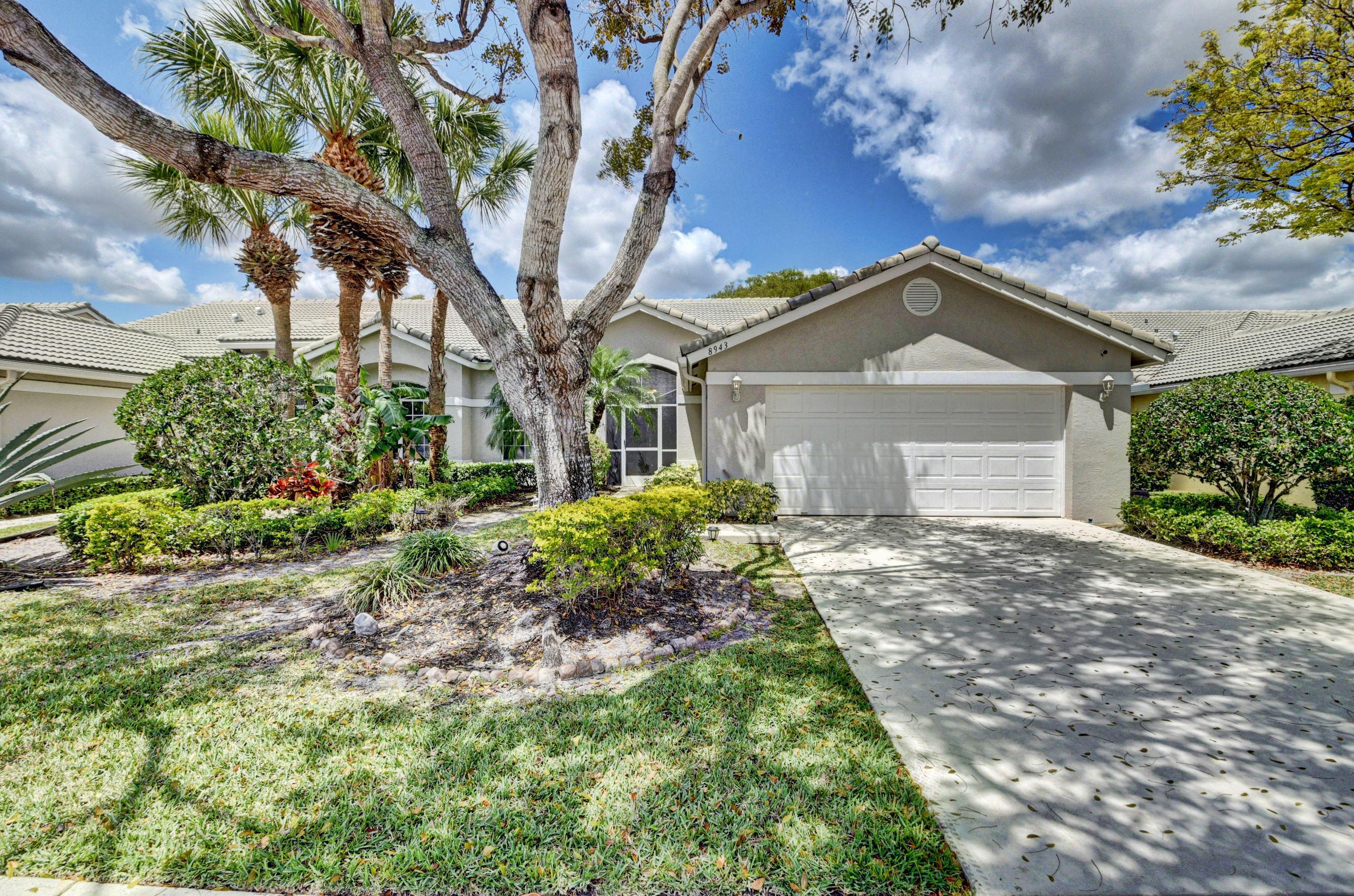 Home for sale in Aberdeen/brittany Lakes Boynton Beach Florida