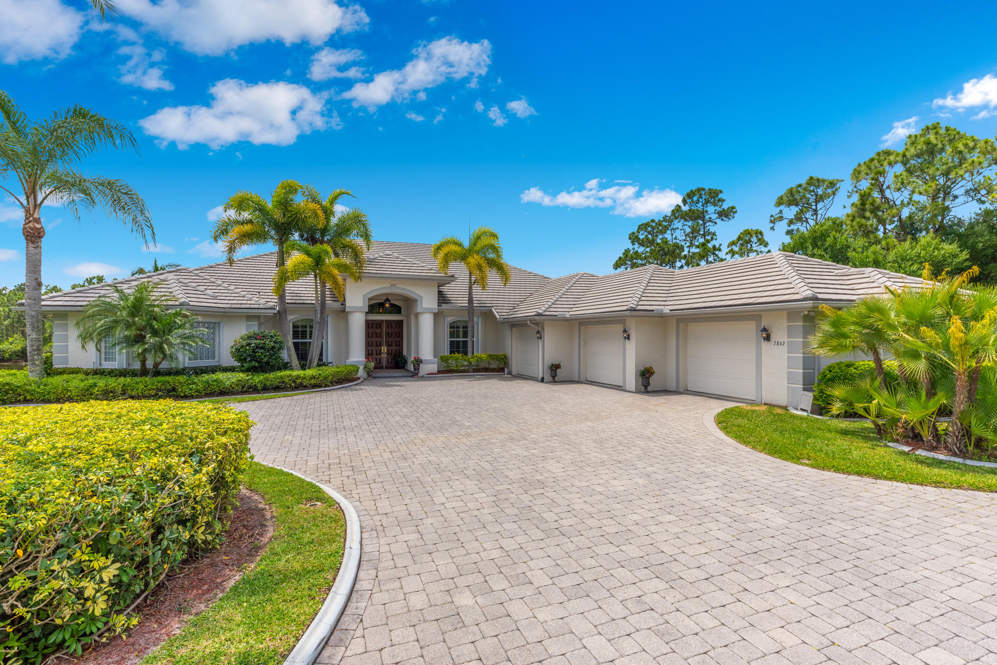 7842  Sabal Lake Drive, Port Saint Lucie, Florida