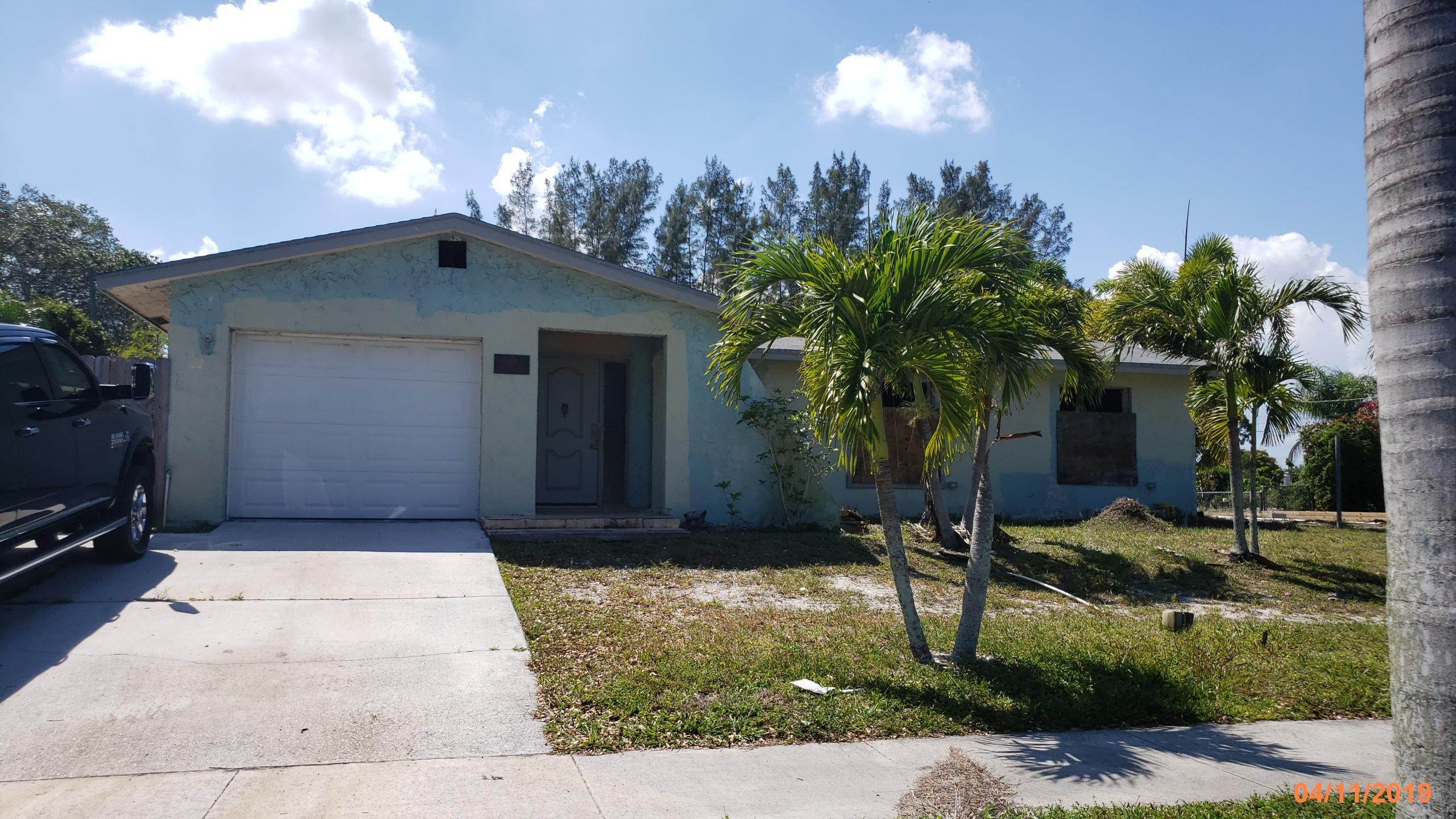 3277 Pinehurst Drive  Lake Worth FL 33467