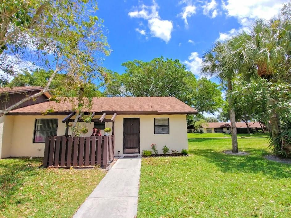 28  Via De Casas Norte   28, Boynton Beach in Palm Beach County, FL 33426 Home for Sale