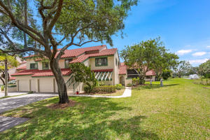 Property for sale at 17 Lexington Lane Unit: H, Palm Beach Gardens,  Florida 33418