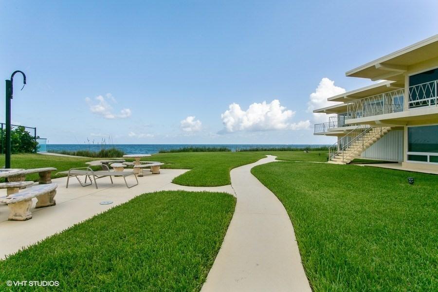 5060 N Ocean Drive 105  Singer Island FL 33404