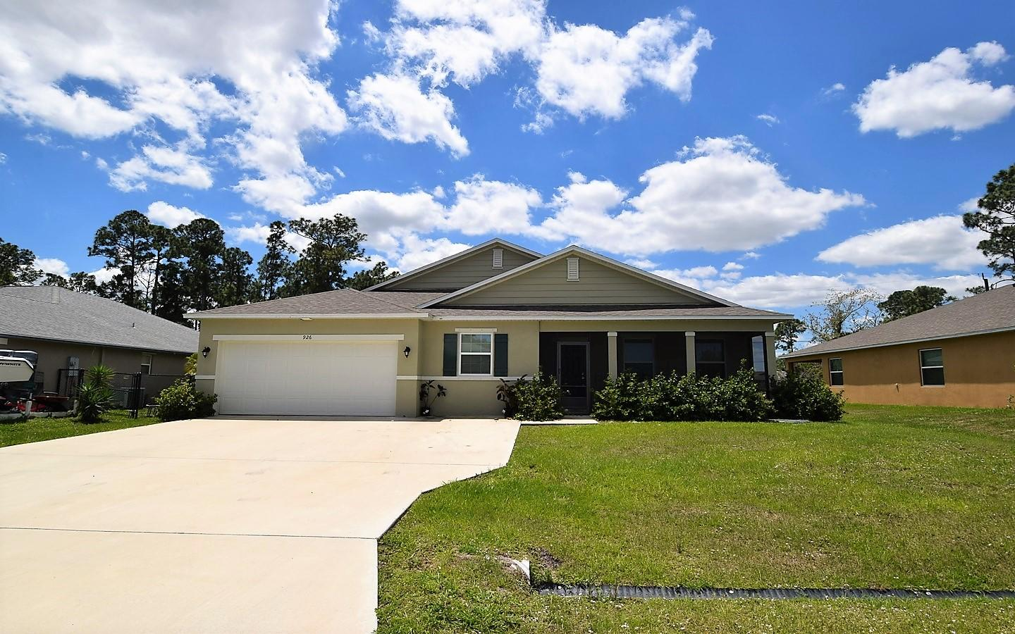 926 SW Worcester Lane, Port Saint Lucie, Florida