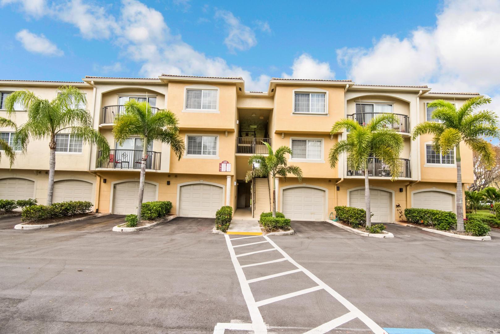 500 Crestwood Court 513 Royal Palm Beach, FL 33411