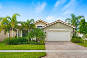 Valencia Cove home 8734 Carmel Mountain Way Boynton Beach FL 33473