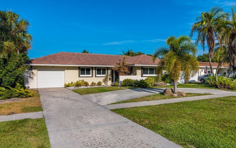 Home for sale in BOCA RATON SQUARE UNIT 3 Boca Raton Florida