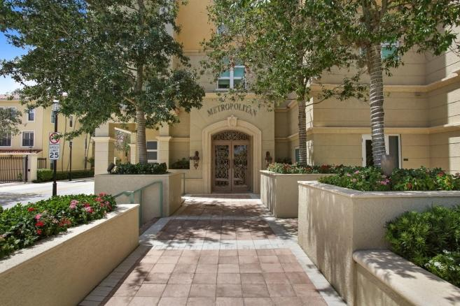 403 S Sapodilla Avenue 713 West Palm Beach, FL 33401