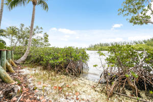 403  Old Jupiter Beach Road Road , Jupiter FL 33477 is listed for sale as MLS Listing RX-10525632 photo #24