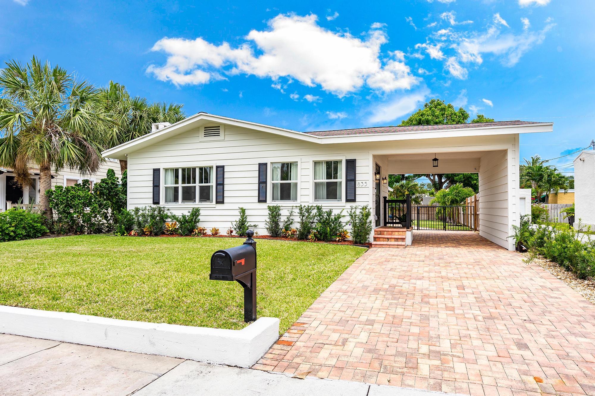 835 Claremore Drive West Palm Beach, FL 33401