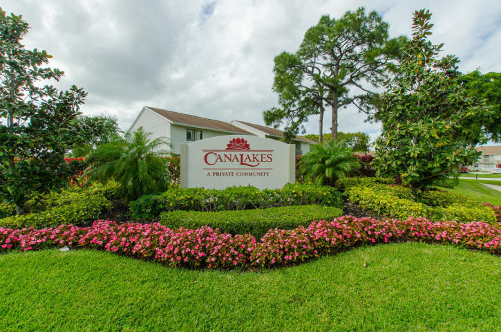 Home for sale in Canalake Homeowners Association Greenacres Florida