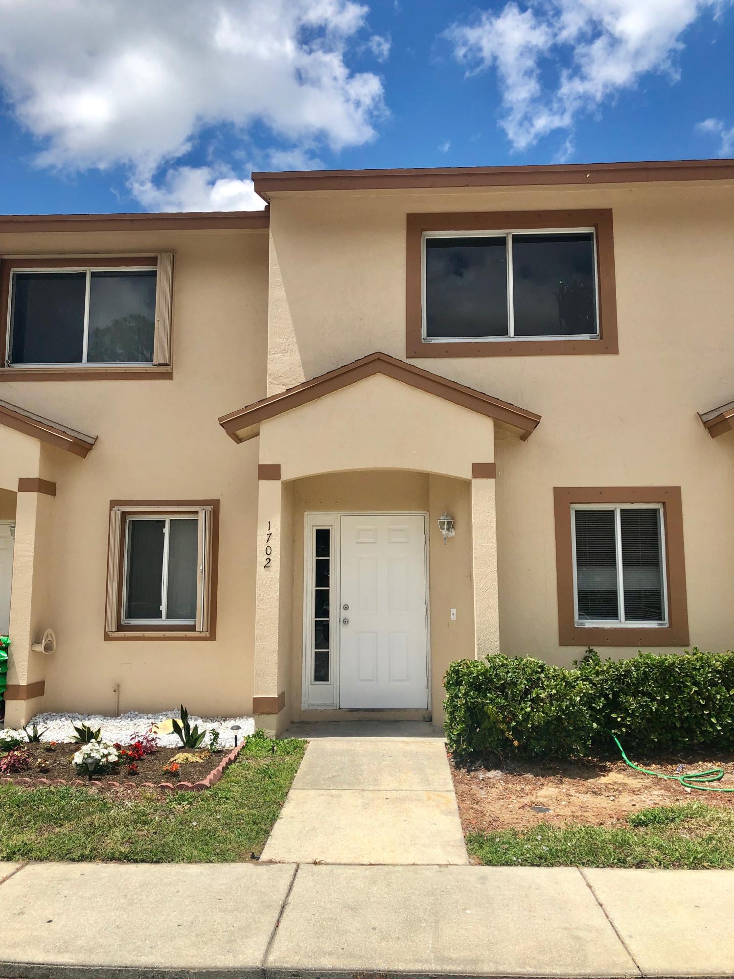 1702 Lakeview Drive Royal Palm Beach, FL 33411