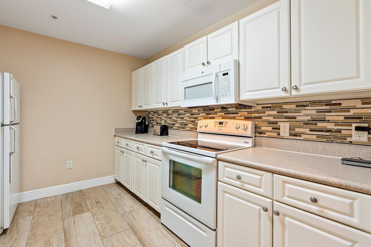 1200 Town Center Drive 425, Jupiter, Florida 33458, 2 Bedrooms Bedrooms, ,1 BathroomBathrooms,F,Condominium,Town Center,RX-10528218