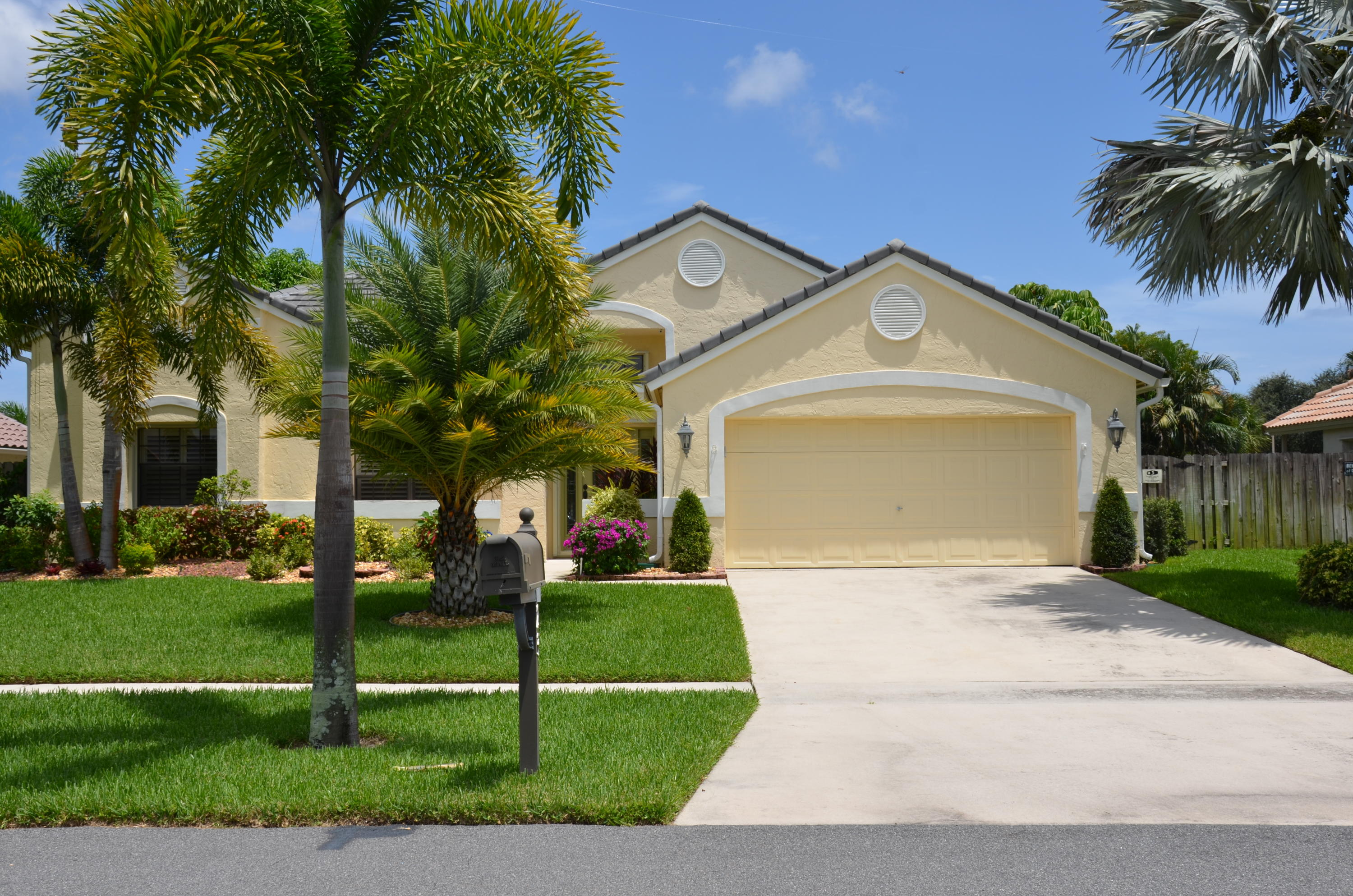 23 Dogwood Circle Boynton Beach, FL 33436