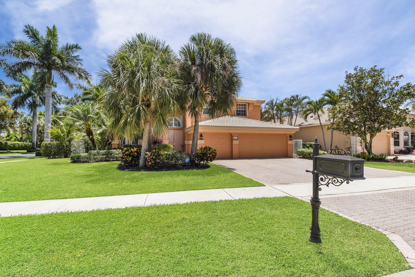 6370 Stonehurst Circle Lake Worth, FL 33467