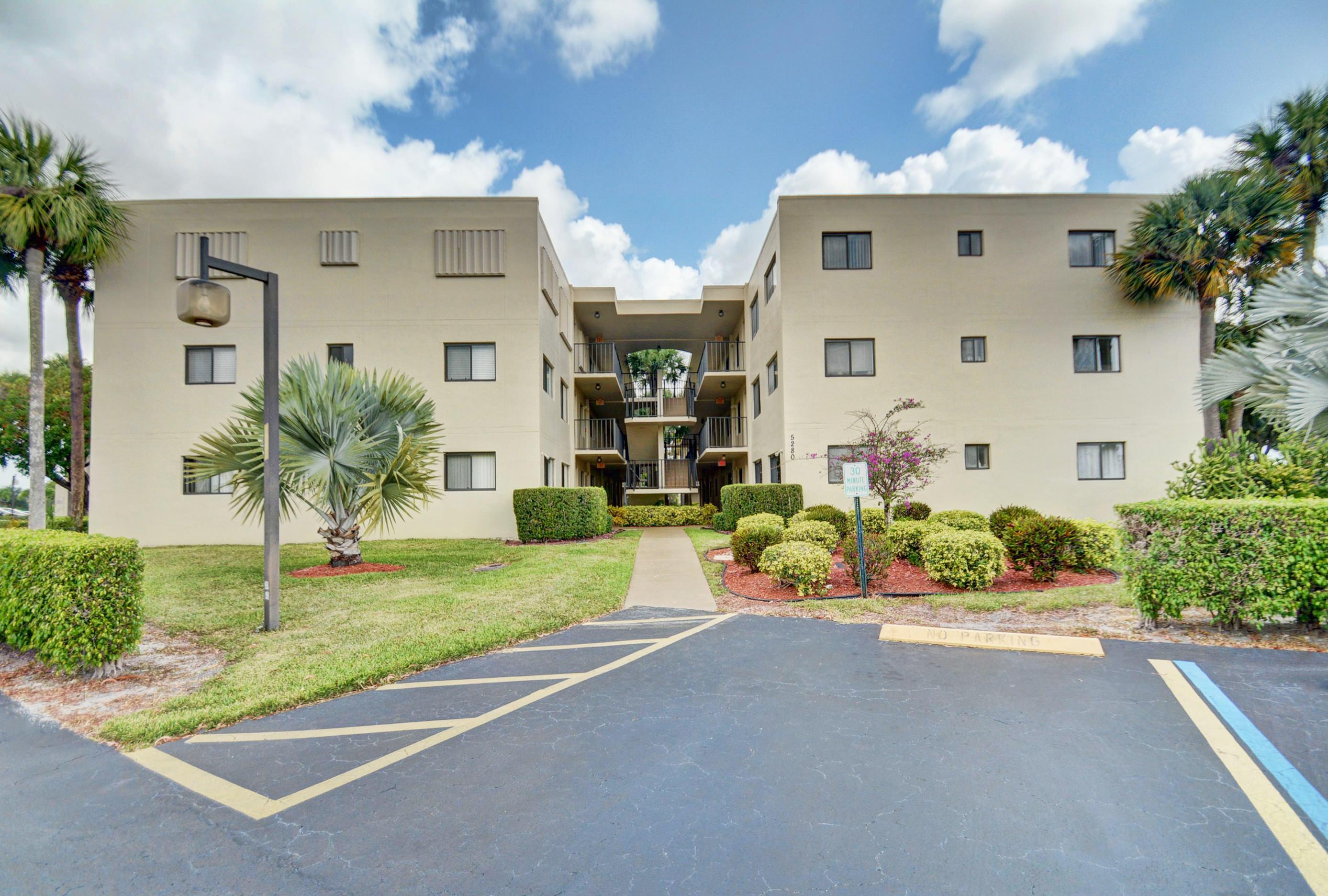 5280 Las Verdes Circle 313  Delray Beach, FL 33484