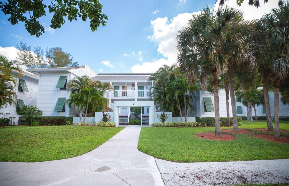 Home for sale in CYPRESS POINT CONDO Palm Beach Gardens Florida