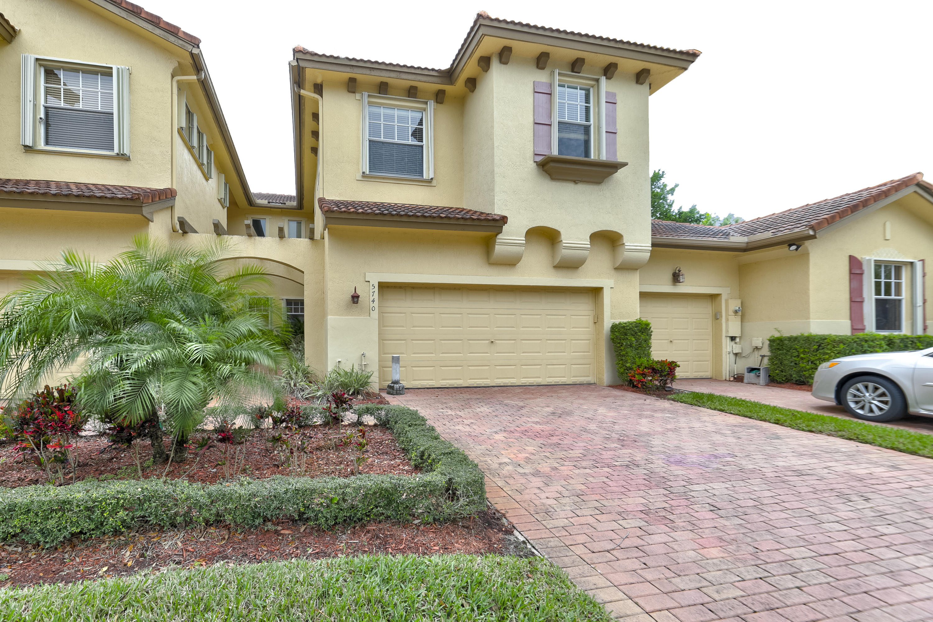 5740 NW 120th Avenue  Coral Springs FL 33076
