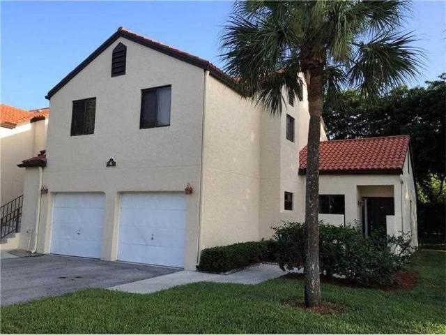 4 Via De Casas Sur 105 Boynton Beach, FL 33426