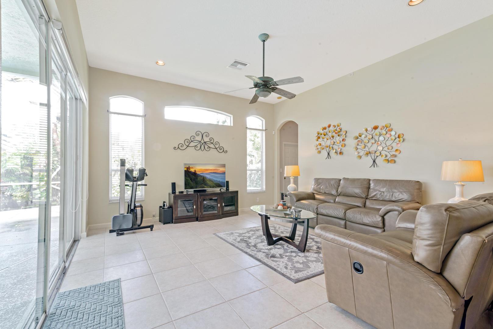 9049 Charlee Street Lake Worth, FL 33467 photo 4