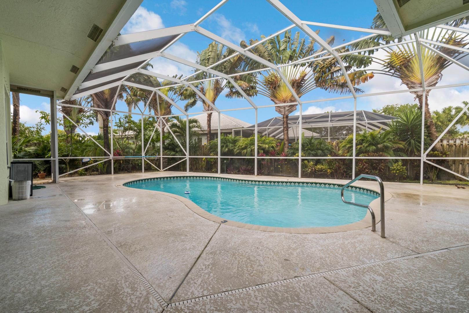 9049 Charlee Street Lake Worth, FL 33467 photo 2
