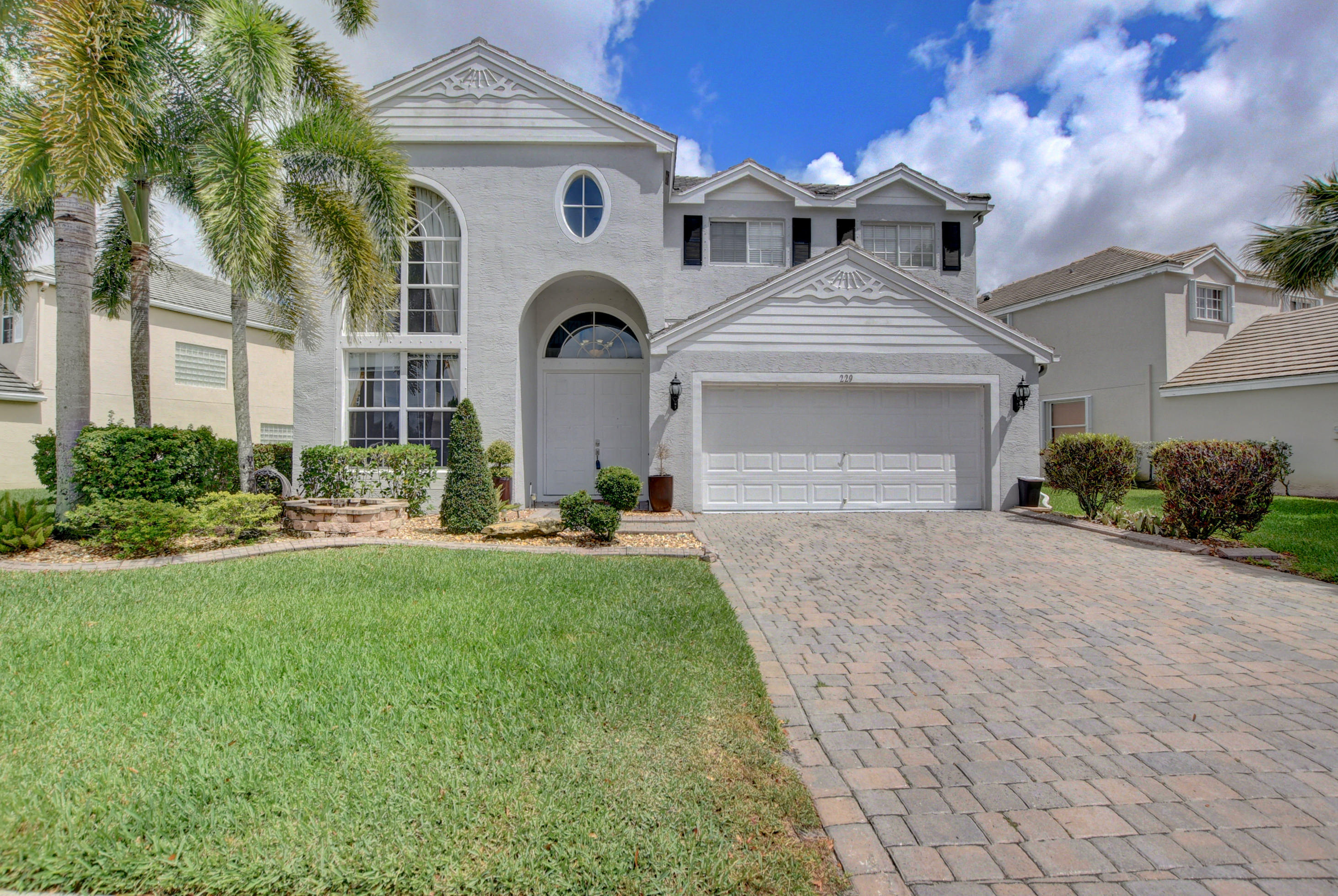 229 Kensington Way Royal Palm Beach, FL 33414