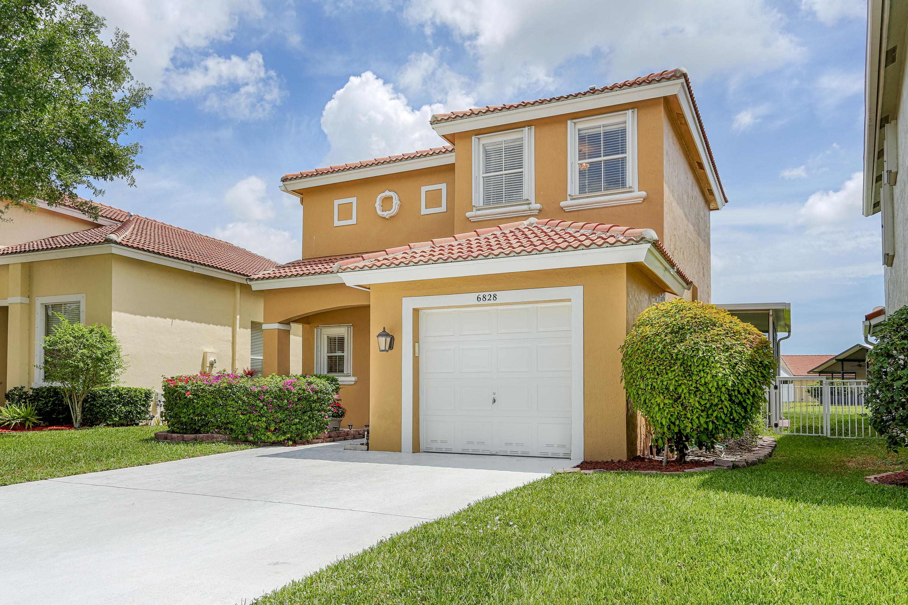 6828 Green Island Terrace Lake Worth, FL 33463