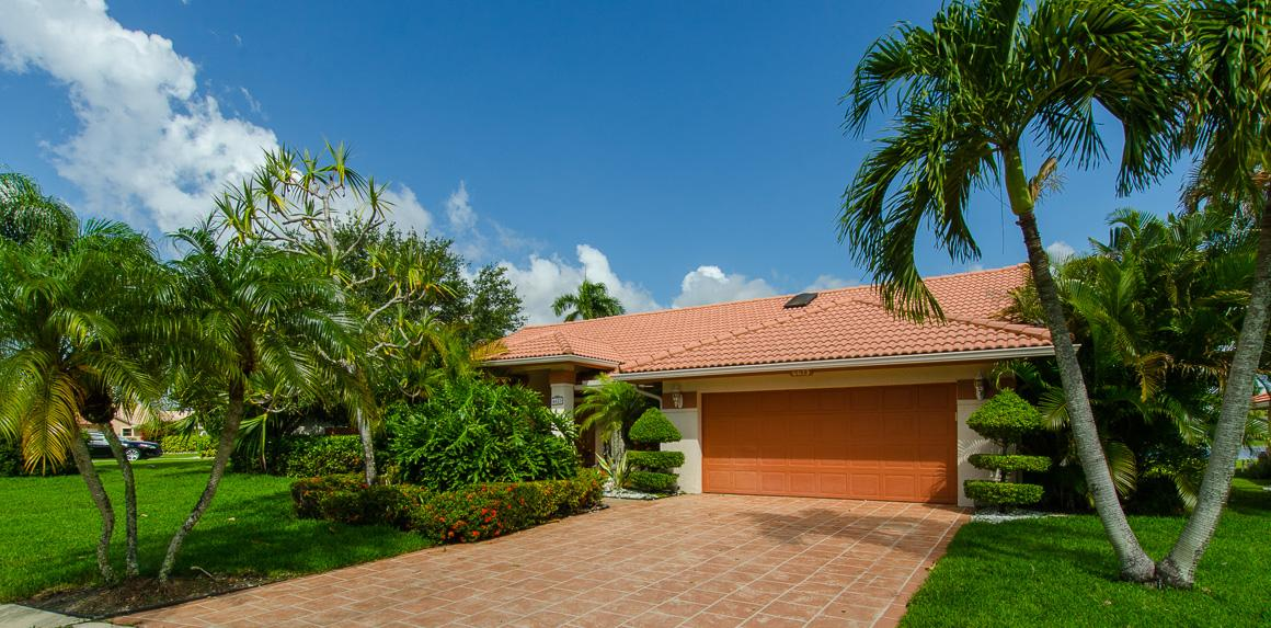 6623 Lake Loran Way Lake Worth, FL 33467