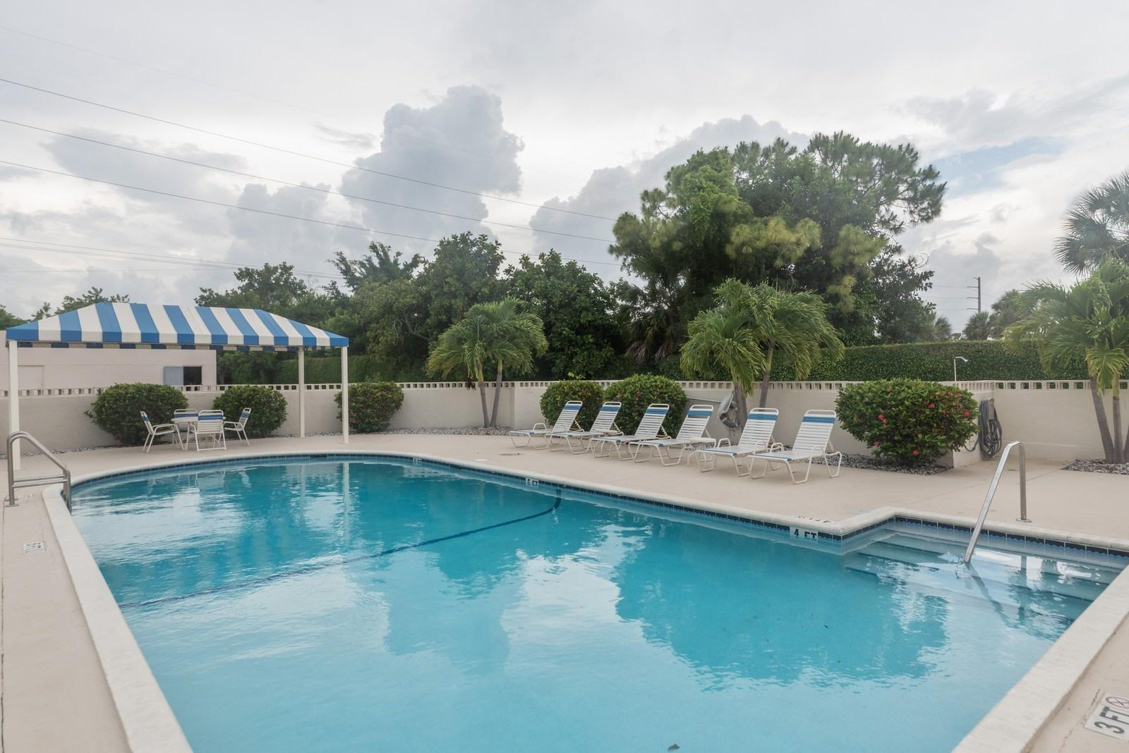 5884 Morningstar Circle 206  Delray Beach, FL 33484