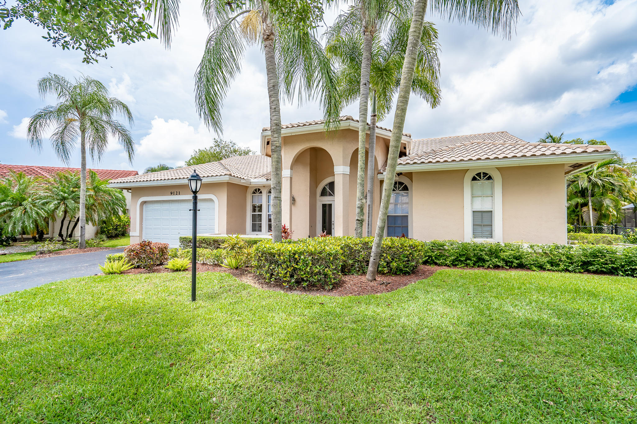 9121 NW 53 Manor  Coral Springs FL 33067