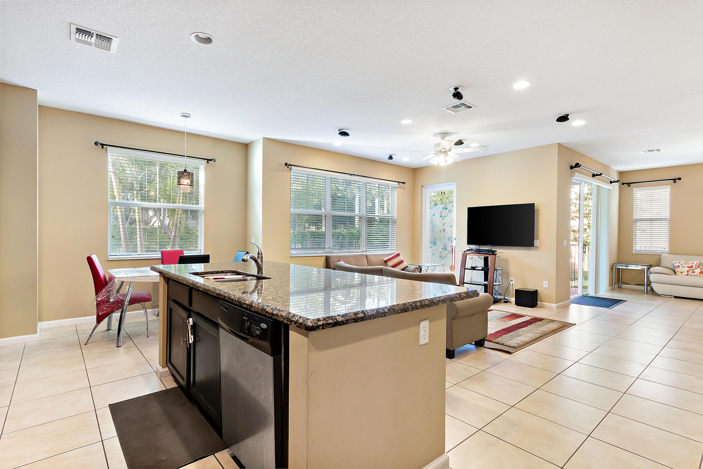 9543 Phipps Lane Wellington, FL 33414 photo 10