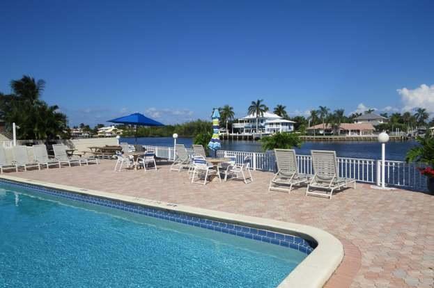 638 Snug Harbor Drive E13 Boynton Beach, FL 33435