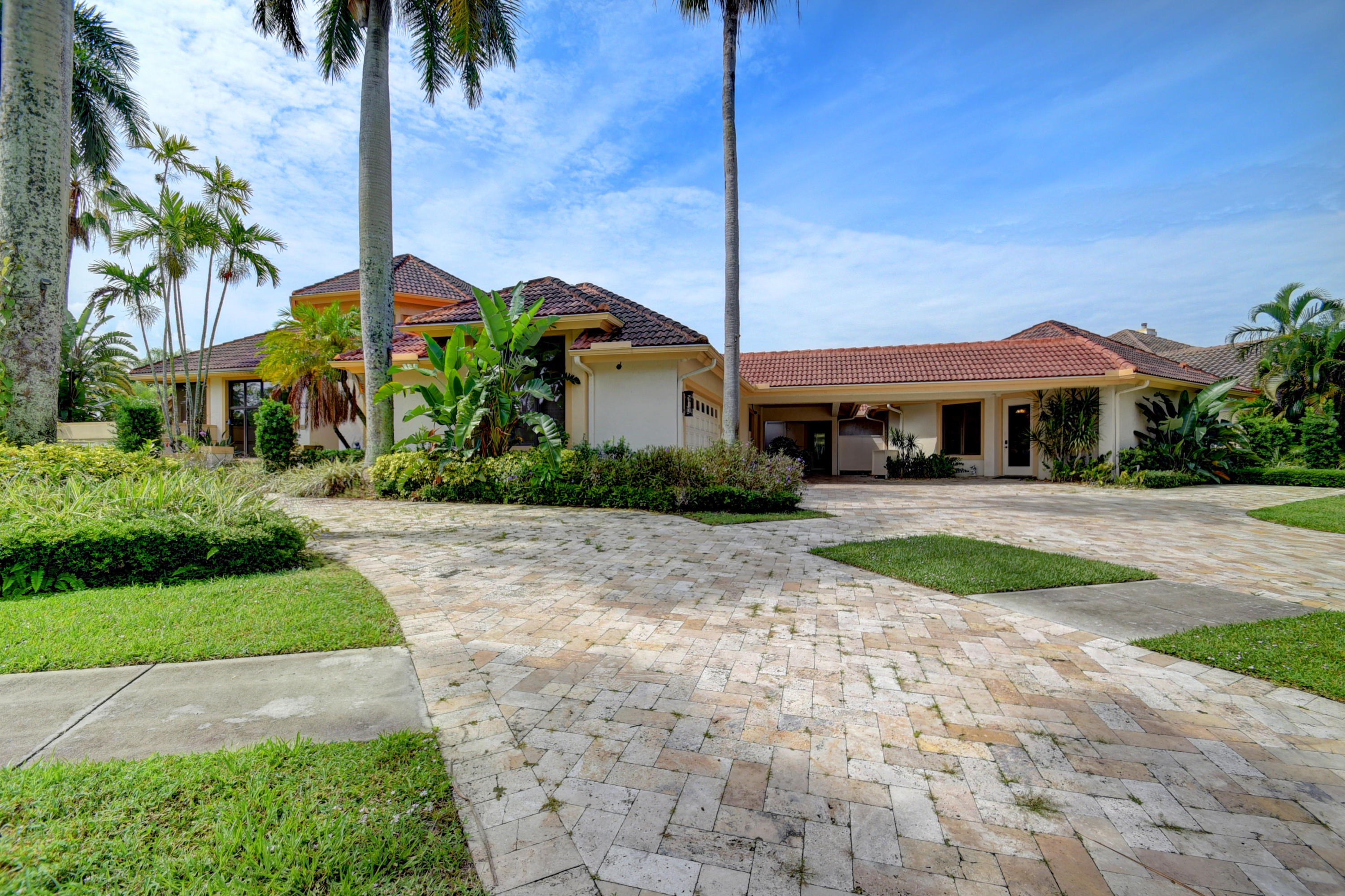 6000 Hollows Lane  Delray Beach, FL 33484