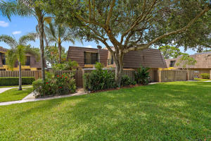 724 7th Court , Palm Beach Gardens FL 33410 is listed for sale as MLS Listing RX-10528573 27 photos
