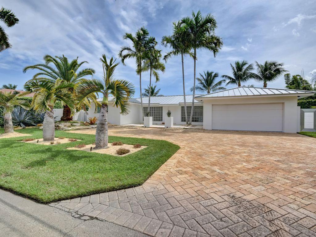 930 Tropic Boulevard  Delray Beach, FL 33483