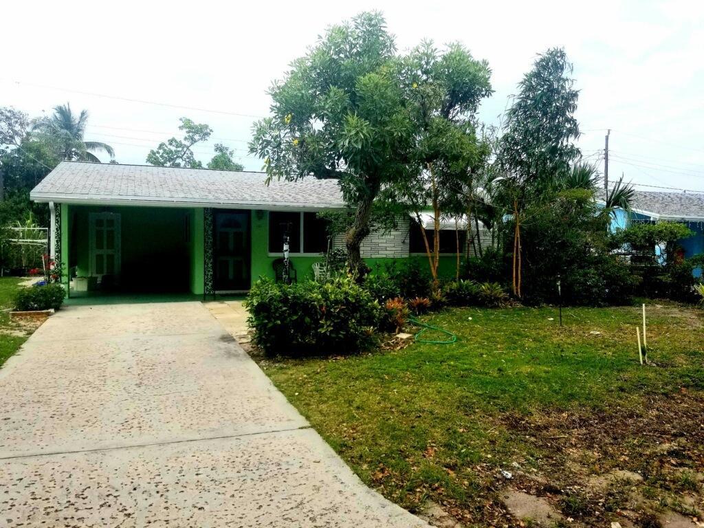 Home for sale in SUNNYSIDE ESTATES Boynton Beach Florida