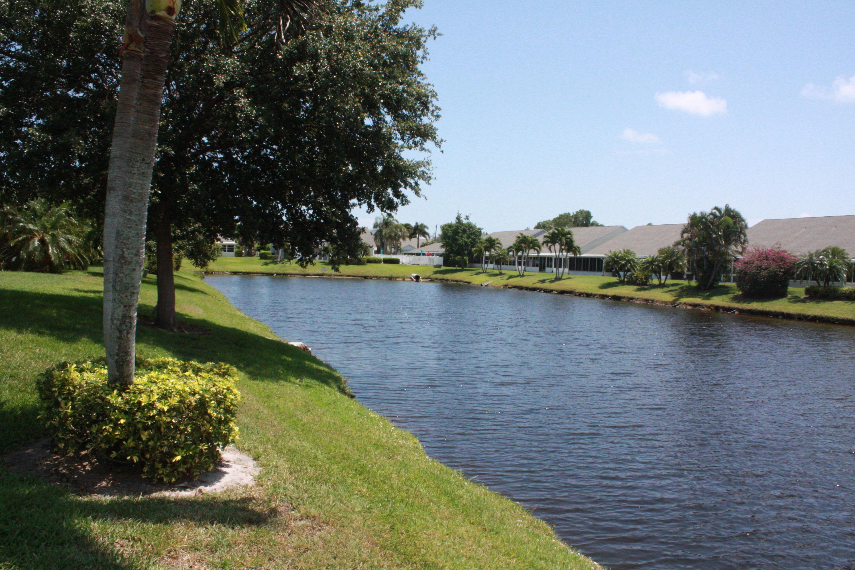2524 SE Tropical East Circle E, Port Saint Lucie, Florida