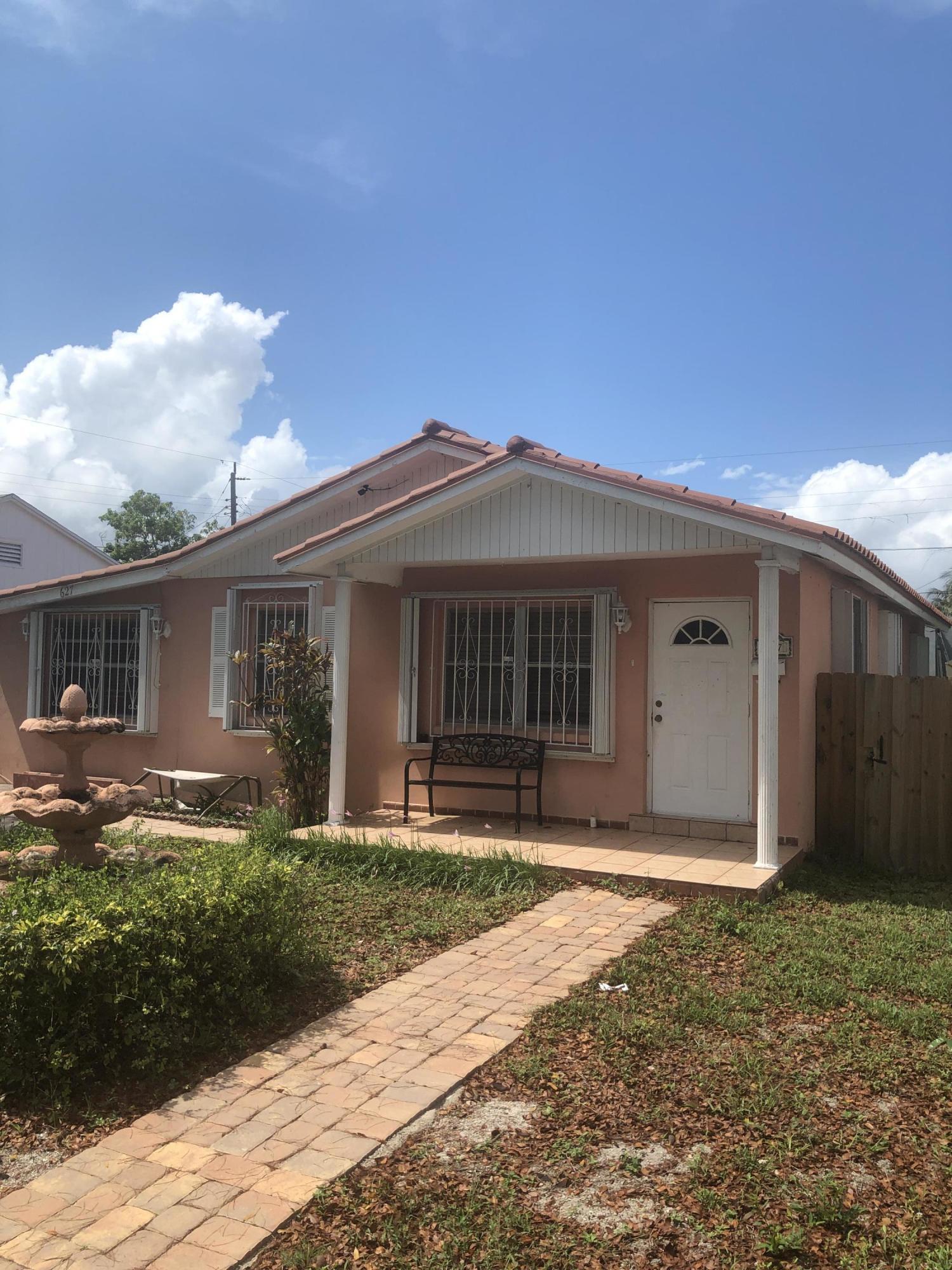 627 Maddock Street West Palm Beach, FL 33405
