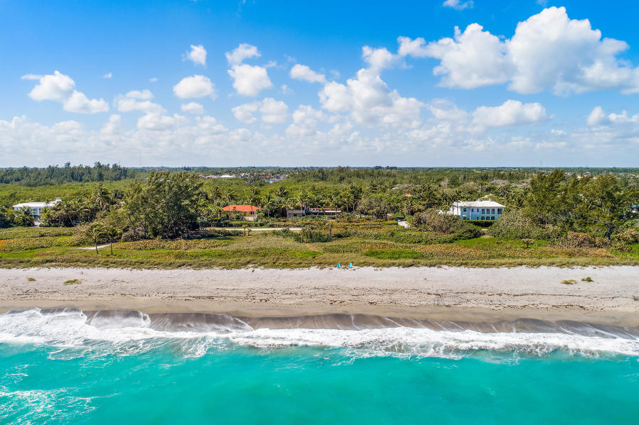 88 N Beach Road - Hobe Sound, Florida