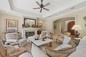 169  Everglade Avenue , Palm Beach FL 33480 is listed for sale as MLS Listing RX-10529496 photo #4