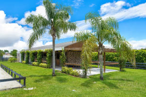 2121  Gray Mare Way  For Sale 10529905, FL