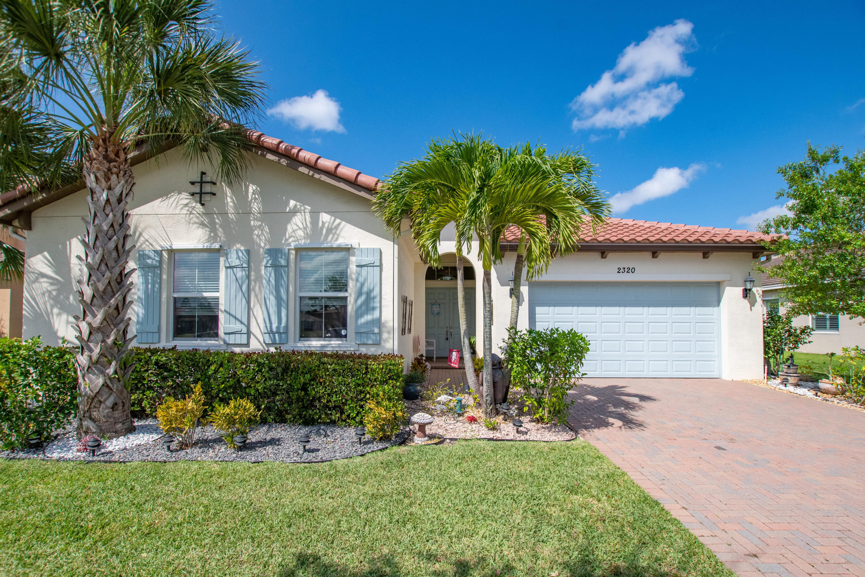 2320 Bellarosa Circle Royal Palm Beach, FL 33411