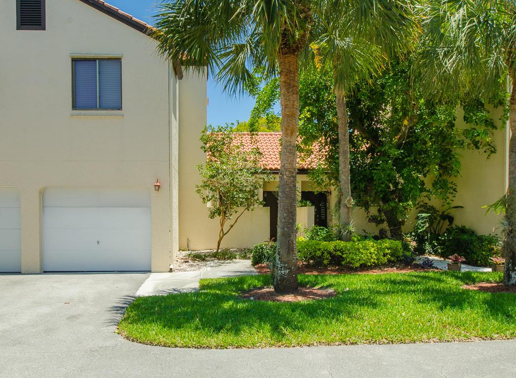 7 Via De Casas Sur 102 Boynton Beach, FL 33426