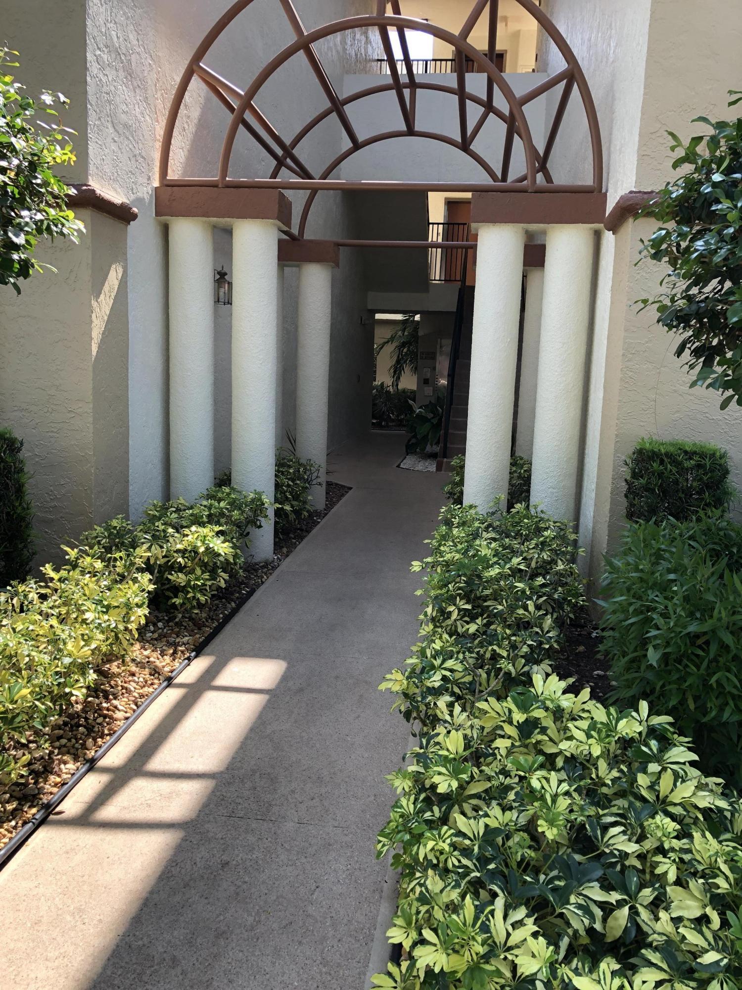 5099 Splendido Court B  Boynton Beach FL 33437