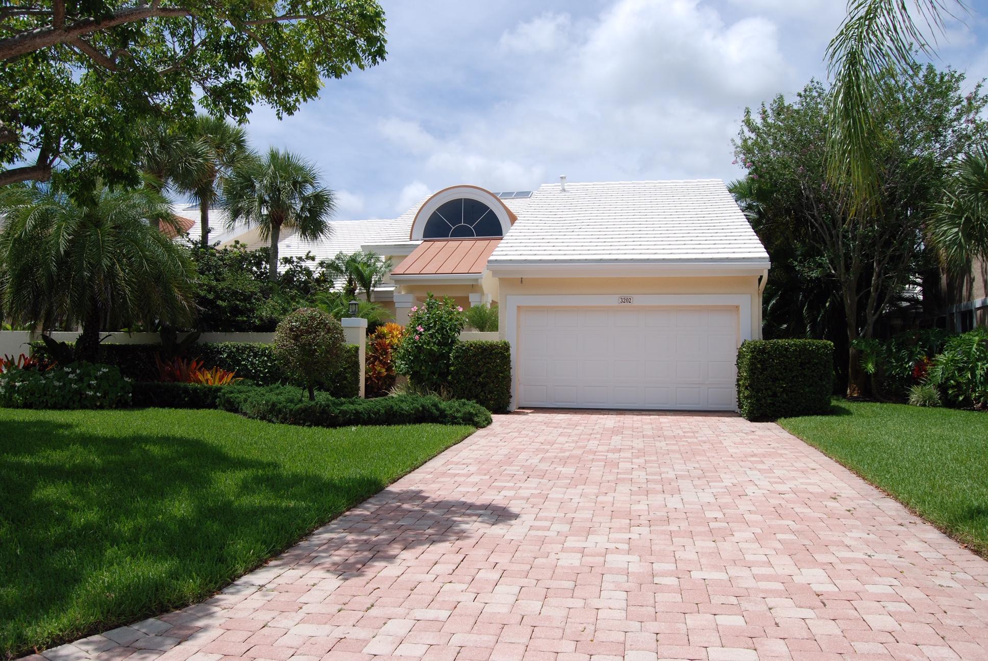 3202 Captains Way 3202, Jupiter, Florida 33477, 2 Bedrooms Bedrooms, ,2.1 BathroomsBathrooms,F,Villa,Captains,RX-10518346