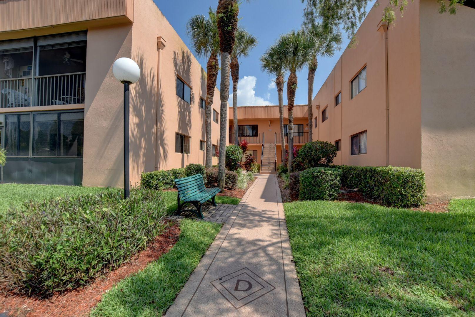 15072 Ashland Place 123  Delray Beach, FL 33484