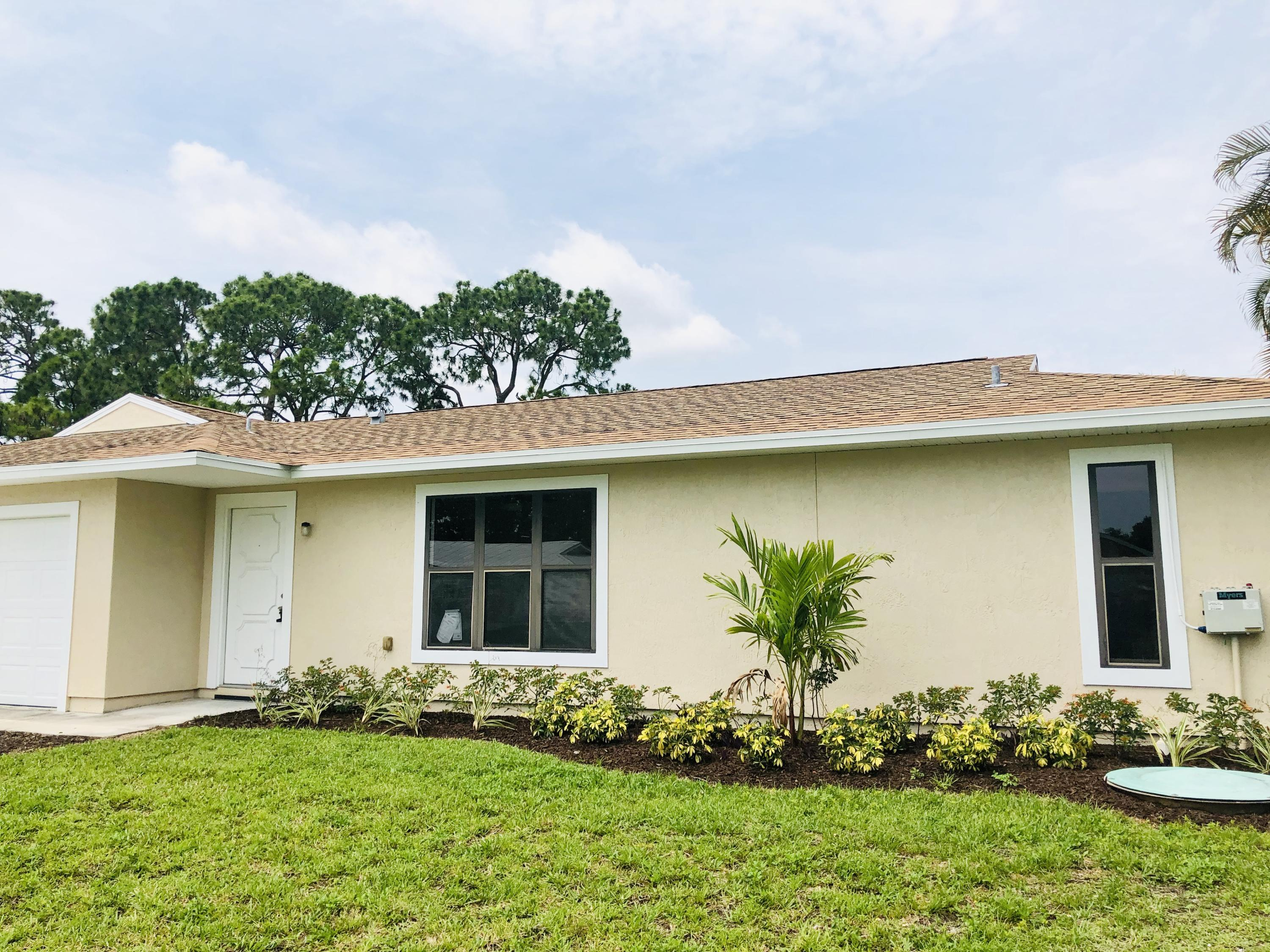1162 SE Clifton Lane Port Saint Lucie, FL 34983 small photo 1