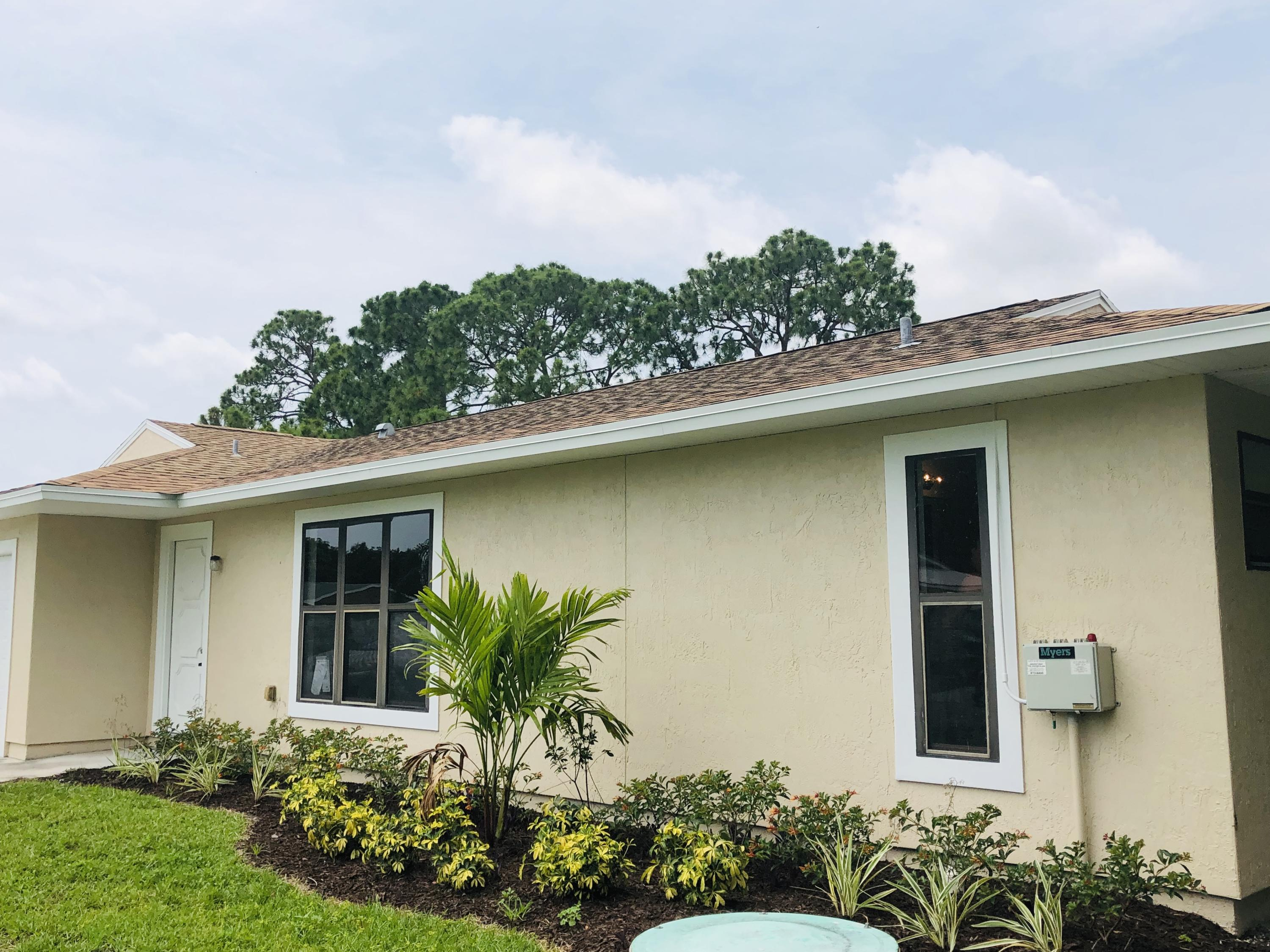 1162 SE Clifton Lane Port Saint Lucie, FL 34983 small photo 2