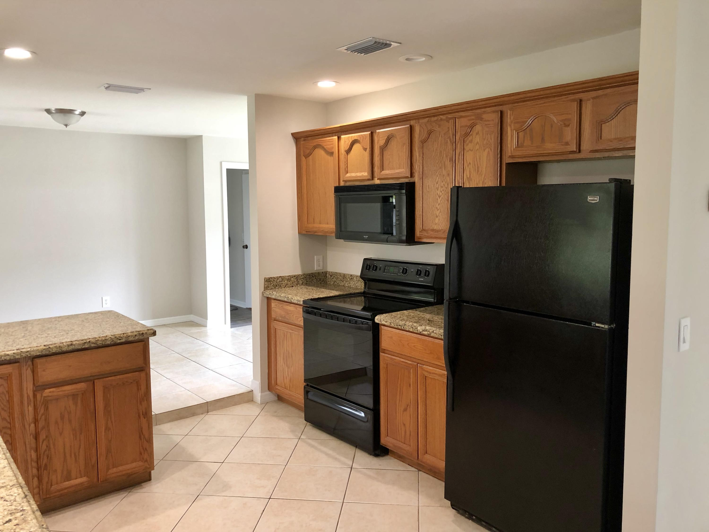 1162 SE Clifton Lane Port Saint Lucie, FL 34983 small photo 6